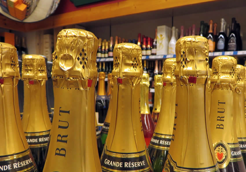 Sparkling wines in Berlin's alcohol supermarkets
