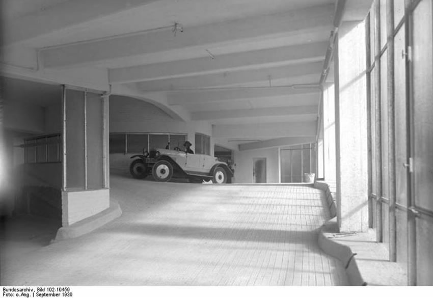 Kant Garage - Bauhaus classic from the 1930s