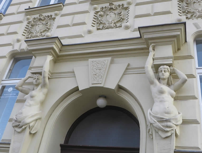 Ornamental entrance doors in the Märkisches Ufer Berlin