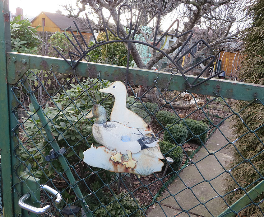 'Welcome' to a garden in Moabit's allotment colony