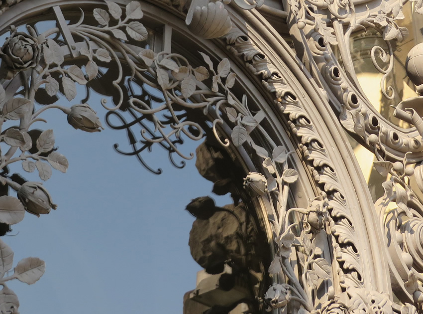 Incredible ornamental wrought ironwork on a 19th-century building, Berlin
