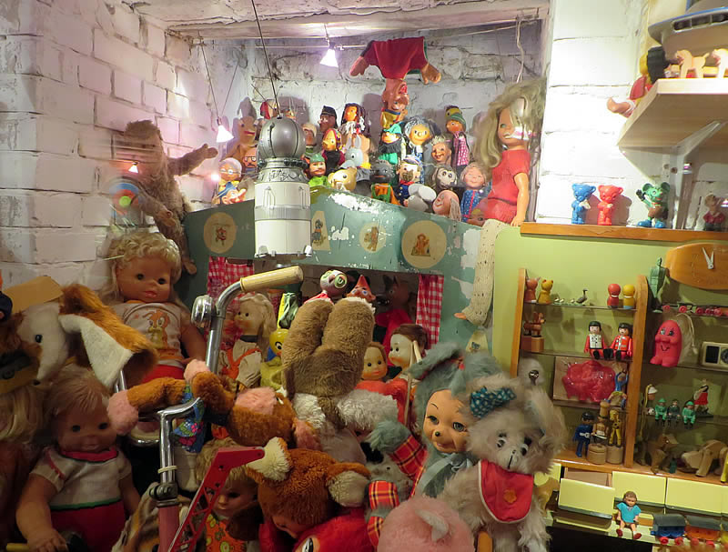 Onkel Philipp's toyshop: a huge collection of vintage GDR toys in Berlin's secret museum