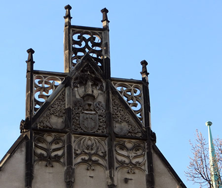 Architectural detail: gable, Amstgericht, Wedding, Berlin